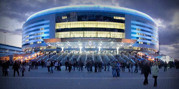 Минск арена вечером